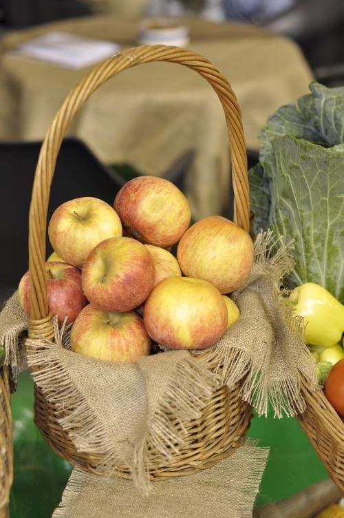 organic apples fruit