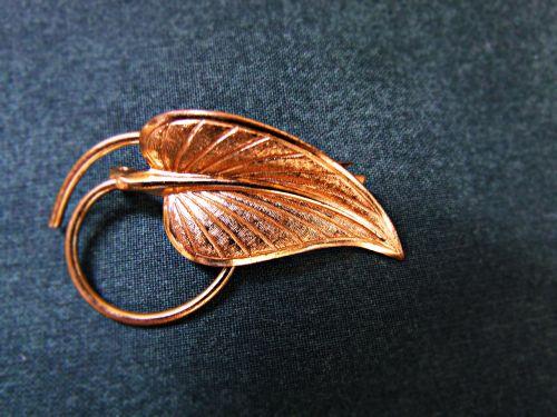 ornament brooch leaf