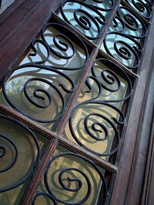 ornate door perspective