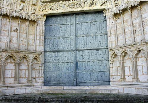 ornate doorway grand entrance big wooden doors