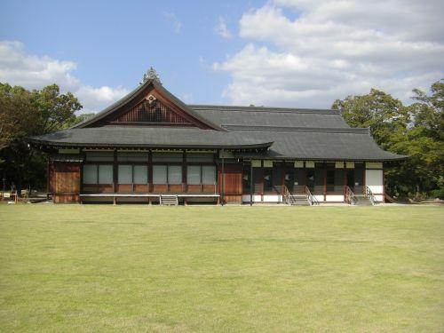 osaka castle nishinomaru garden osaka geihinkan