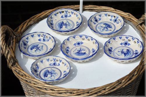Old Dutch Porcelain 1