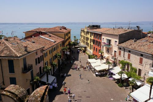 outlook roofs sirmione
