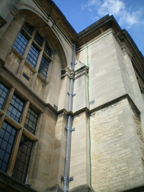 oxford,england,buildings,great britain,urban,i lead,eaves,window