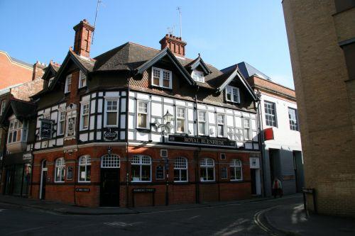 Oxford Pub