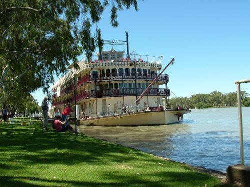 paddle steamer paddle boat