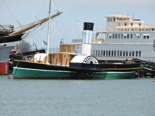 paddle steamer mississippi boat