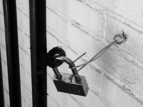 padlock black and white grating