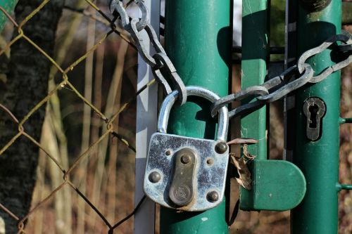 padlock castle secure