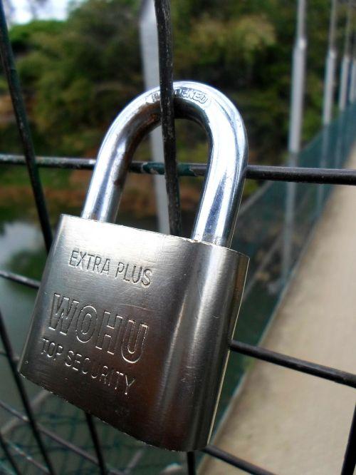 padlock silver safe