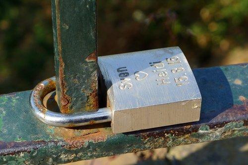 padlock  couple  love