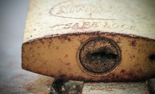 padlock lock rust
