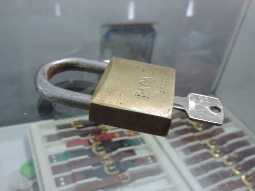 padlock keys set of keys