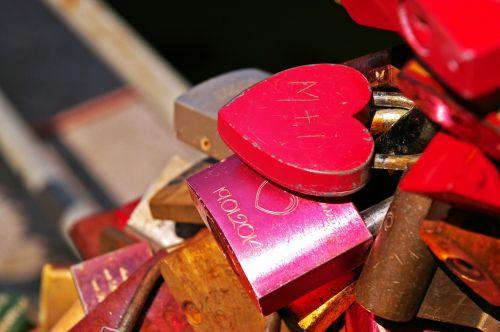 padlocks castles love