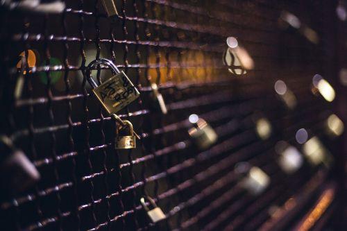 padlocks love forever