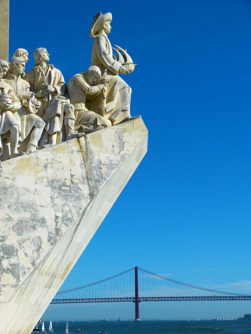 padrão dos descobrimentos monument of the discoveries ponte 25 de abril