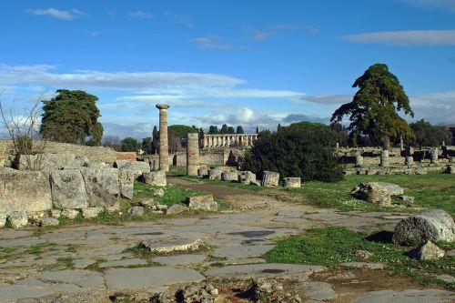 paestum via sacra archaeology