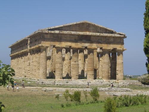 paestum greek temple italy