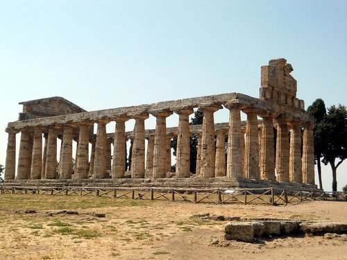 paestum  italy  vacations