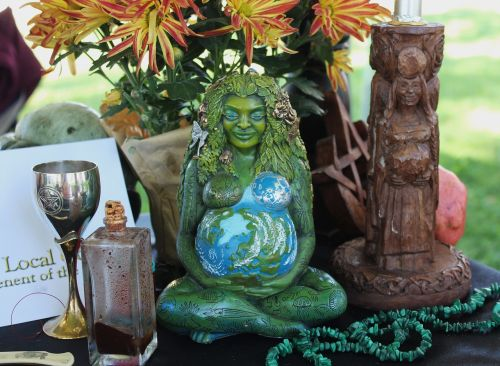 pagan altar goddess altar