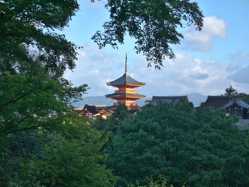 pagoda  kyoto  kyomizudera