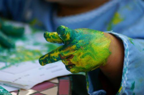 painting hands children