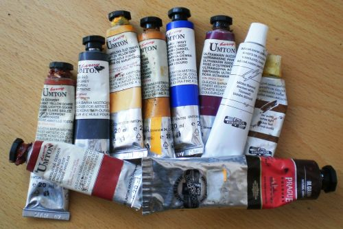 paints oil tubes
