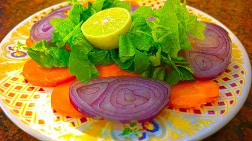 pakora paya salad