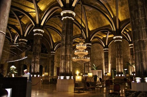 palace columnar architecture