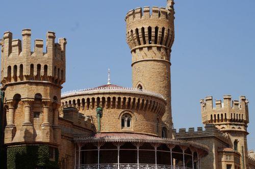 palace bangalore architecture