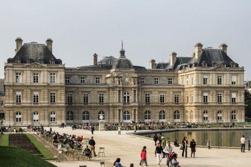 palais luxembourg castle paris