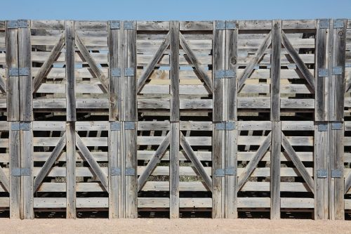 pallets earth frame