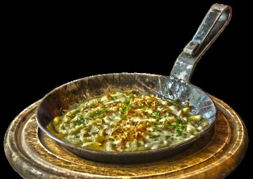 pan spätzle noodle dish