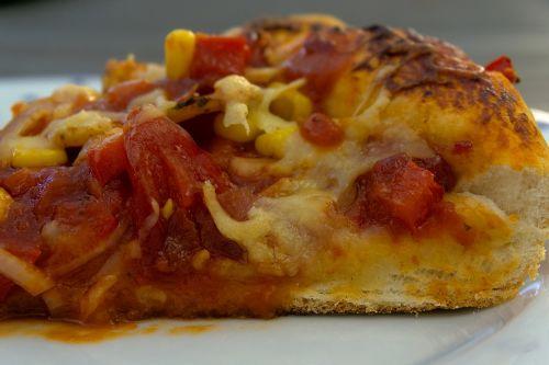 pica pica,pica,Grilis,Barbekiu,Olandų orkaitė,želatina,sūris,pomidoras,Salami,bbq pica,valgyti,maistas,kepti