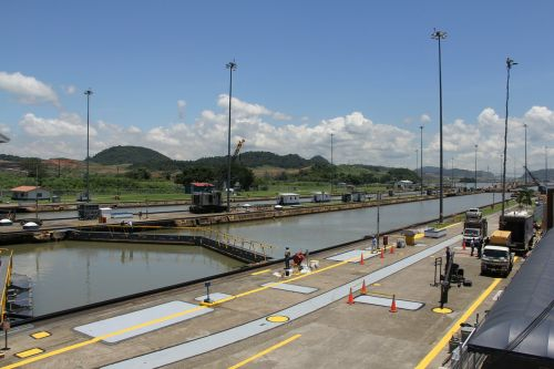 panama canal construction channel
