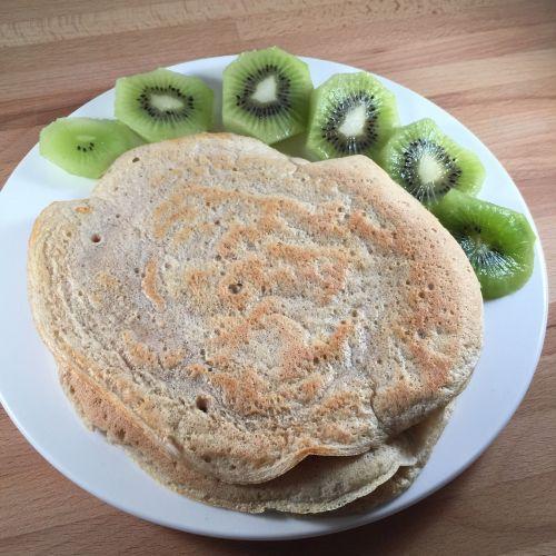pancake kiwi breakfast