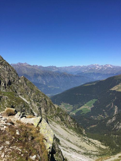 panorama meran mountains