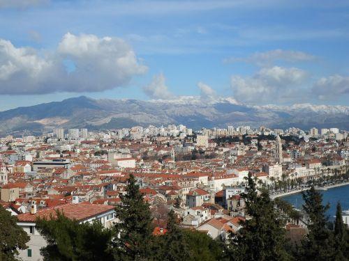 panorama city split