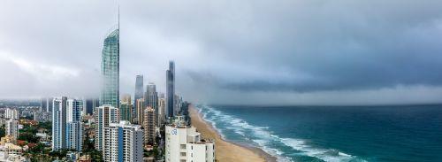 panoraminis kraštovaizdis,debesys,lietus,aukštybinis,vandenynas,vaizdas,vaizdingas,miesto,pakrantė,papludimys,bokštas,audra,jūra,banglentininkams rojus,Queensland,Auksinė pakrantė,australia