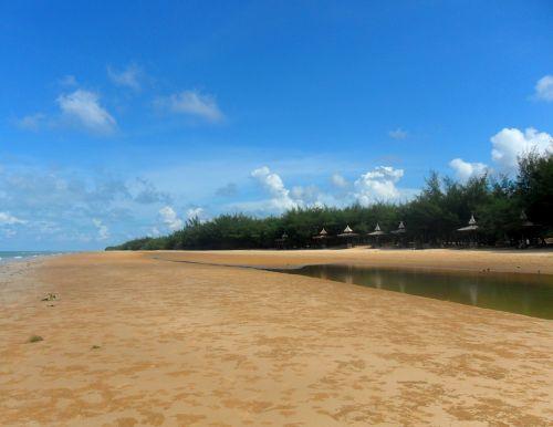 pantai slopeng sumenep madura