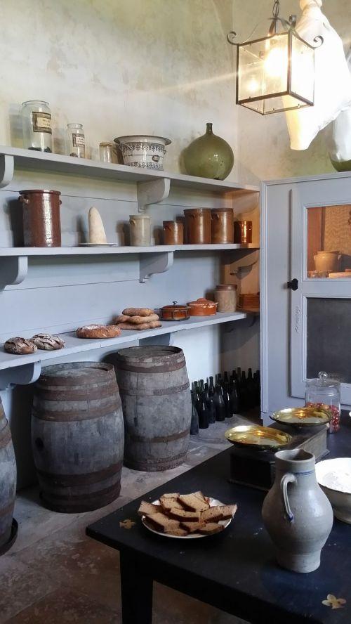 pantry kitchen chateau