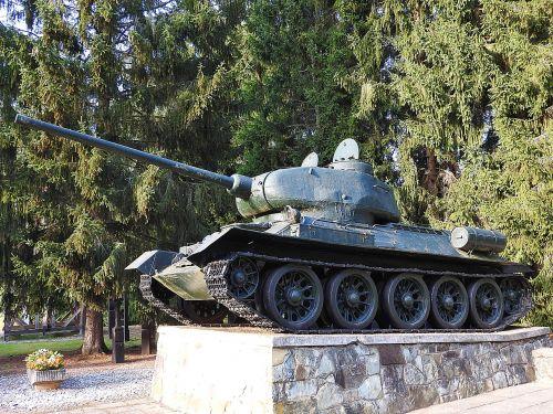 panzer t-34 war memorial