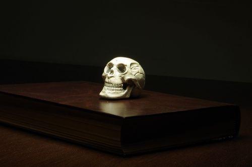 paper skull mystery