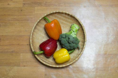paprika v local li broccoli