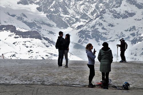 para  the alps  zermatt