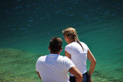para  alpine lake  blue water