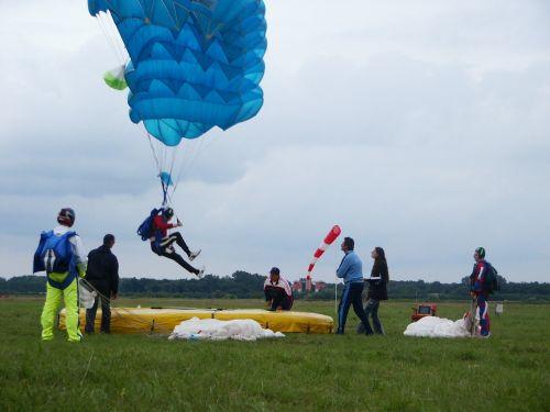 parachute parachutes competition