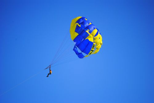 parachute activity ocean