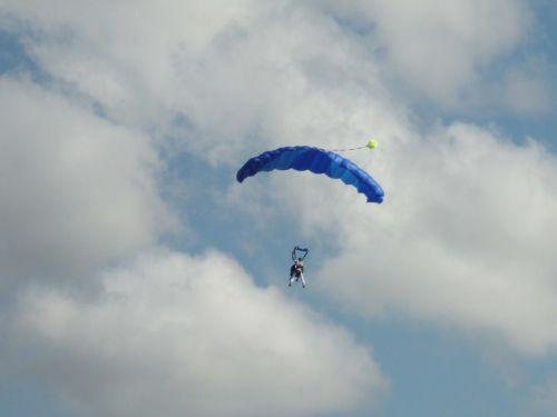 parachute sky free fall