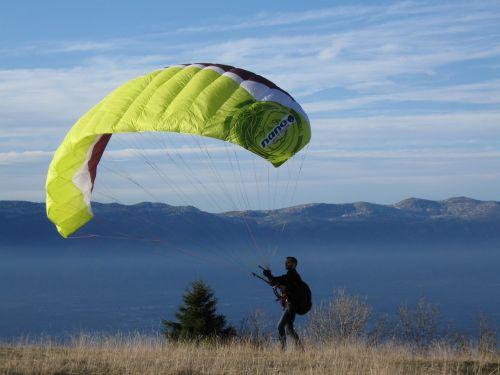 parachute mountain paragliding